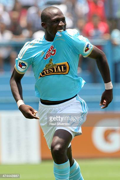 Luis Advincula of Sporting Cristal celebrates after scoring his team's third goal against Leon de Huanuco during a match between Sporting Cristal and...