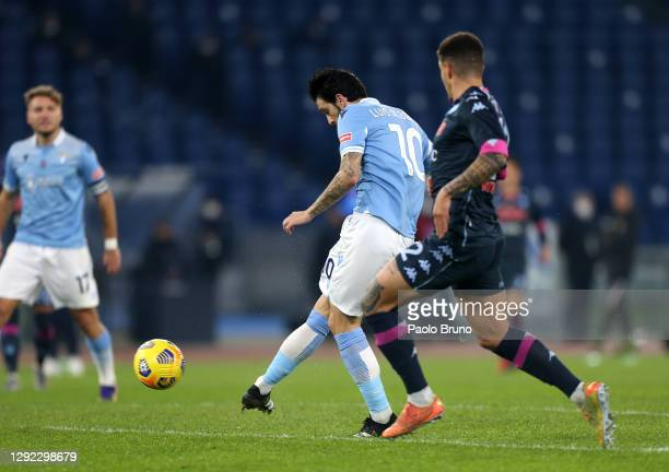 Luis Alberto of Lazio scores their team's second goal during the Serie A match between SS Lazio and SSC Napoli at Stadio Olimpico on December 20,...