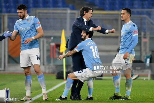 Luis Alberto of SS Lazio celebrate a second goal with SS Lazio head coach Simone Inzaghi during the Serie A match between SS Lazio and SSC Napoli at...