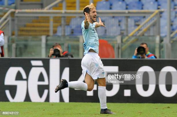 Luis Alberto of SS Lazio celebrates a frist goal during the Serie A match between SS Lazio and US Sassuolo at Stadio Olimpico on October 1 2017 in...
