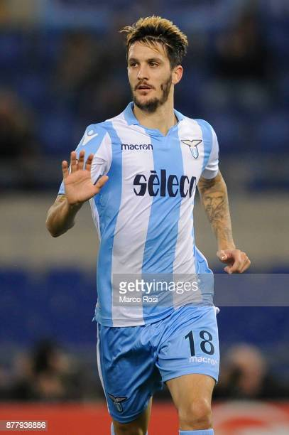 Luis Alberto of SS Lazio celebrates a frist goal during the UEFA Europa League group K match between SS Lazio and Vitesse at Olimpico Stadium on...