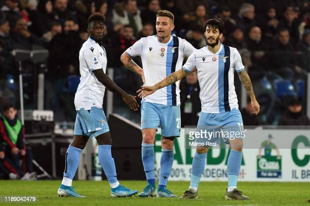 Luis Alberto of SS Lazio celebrates after scoring the first goal of his team with his team mates during the Serie A match between Cagliari Calcio and...