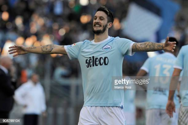 Luis Alberto of SS Lazio celebrates the opening goal during the Serie A match between SS Lazio and AC Chievo Verona at Stadio Olimpico on January 21...
