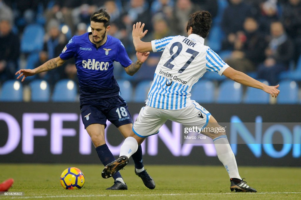 Luis Alberto of SS Lazio compete for the ball with Francesco Vicari Spal during the serie A match between Spal and SS Lazio at Stadio Paolo Mazza on January 6, 2018 in Ferrara, Italy.