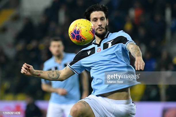 Luis Alberto of SS Lazio control the ball during the Serie A match between Parma Calcio and SS Lazio at Stadio Ennio Tardini on February 09 2020 in...