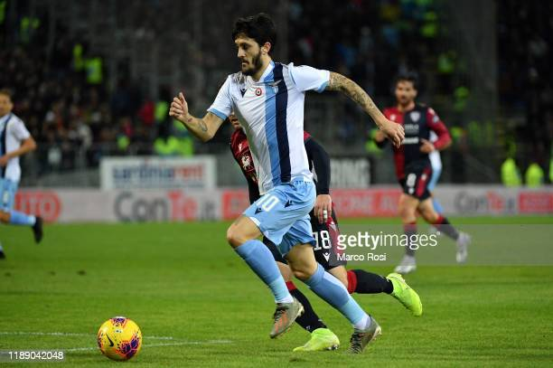 Luis Alberto of SS Lazio controls the ball during the Serie A match between Cagliari Calcio and SS Lazio at Sardegna Arena on December 16 2019 in...