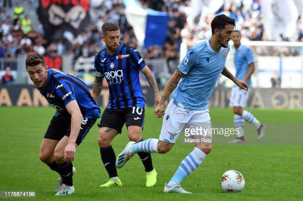Luis Alberto of SS Lazio in action during the Serie A match between SS Lazio and Atalanta BC at Stadio Olimpico on October 19, 2019 in Rome, Italy.