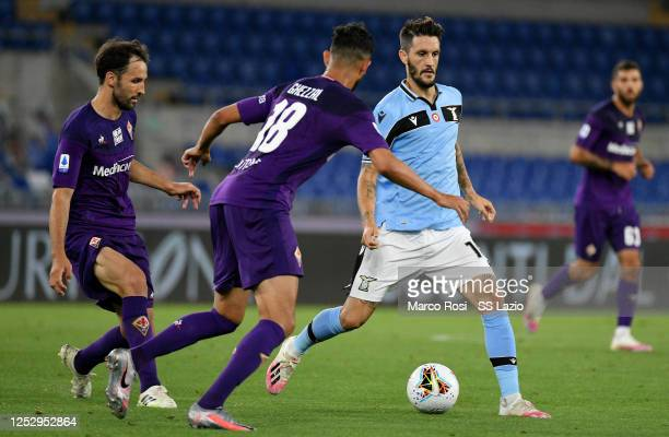 Luis Alberto of SS Lazio in action during the Serie A match between SS Lazio and ACF Fiorentina at Stadio Olimpico on June 27, 2020 in Rome, Italy.