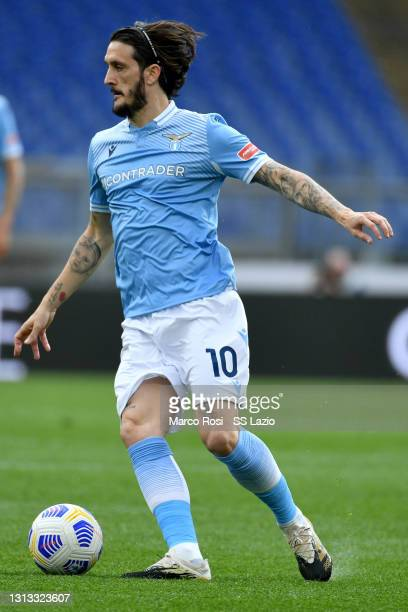 Luis Alberto of SS Lazio in action during the Serie A match between SS Lazio and Benevento Calcio at Stadio Olimpico on April 18, 2021 in Rome,...