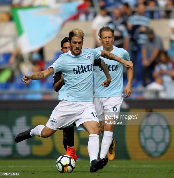 Luis Alberto of SS Lazio in action during the Serie A match between SS Lazio and US Sassuolo at Stadio Olimpico on October 1 2017 in Rome Italy