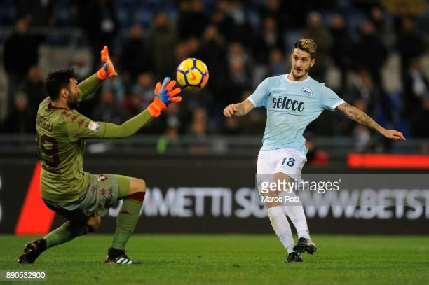 Luis Alberto of SS Lazio scores a frist goal during the Serie A match between SS Lazio and Torino FC at Stadio Olimpico on December 11 2017 in Rome...