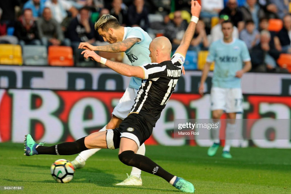 Luis Alberto of SS Lazio scores a second goal during the serie A match between Udinese Calcio and SS Lazio at Stadio Friuli on April 8, 2018 in Udine, Italy.