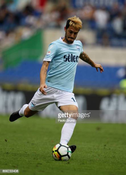 Luis Alberto of SS Lazio scores the team's first goal during the Serie A match between SS Lazio and US Sassuolo at Stadio Olimpico on October 1 2017...