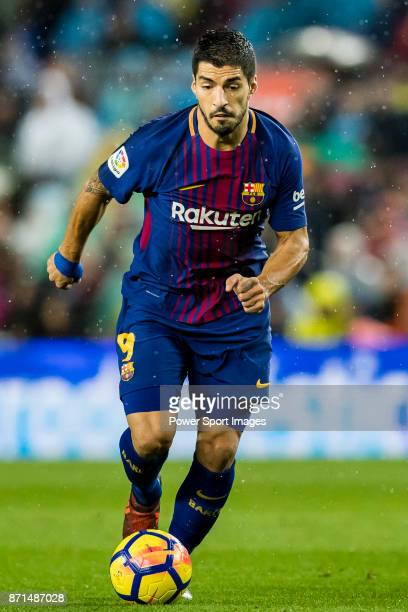 Luis Alberto Suarez Diaz of FC Barcelona in action during the La Liga 201718 match between FC Barcelona and Sevilla FC at Camp Nou on November 04...