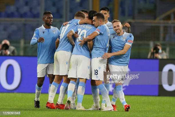 Luis Alberto with his teammates of SS Lazio celebrates after scoring the opening goal during the Serie A match between SS Lazio and Bologna FC at...