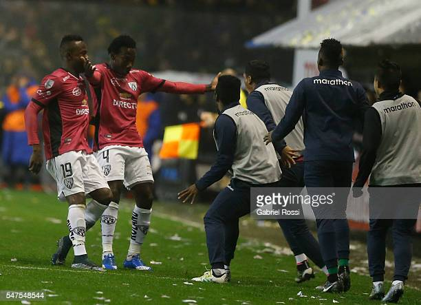 Luis Caicedo of Independiente del Valle celebrates with his teammates after scoring the first goal of his team during a second leg match between Boca...