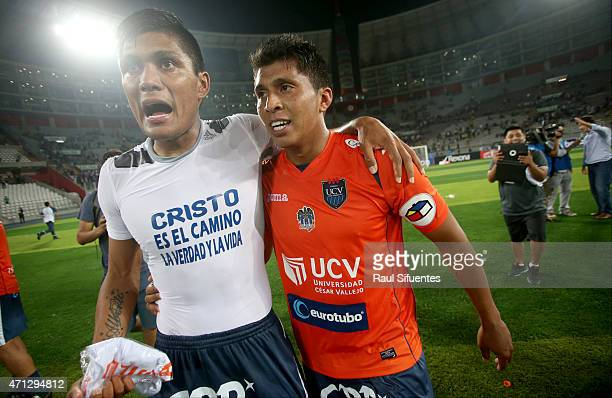 Luis Cardoza and Rinaldo Cruzado of Cesar Vallejo celebrate after winning a final match between Alianza Lima and Cesar Vallejo as part of Torneo del...