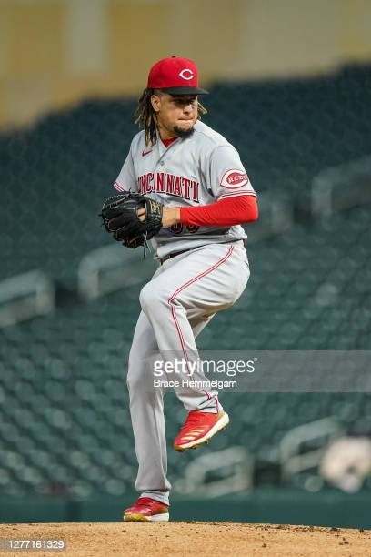 Luis Castillo of the Cincinnati Reds pitches against the Minnesota Twins on September 26, 2020 at Target Field in Minneapolis, Minnesota.