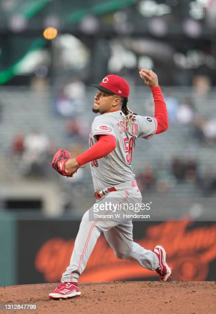 Luis Castillo of the Cincinnati Reds pitches against the San Francisco Giants in the first inning at Oracle Park on April 13, 2021 in San Francisco,...