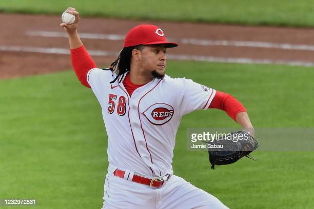 Luis Castillo of the Cincinnati Reds pitches in the second inning against the San Francisco Giants at Great American Ball Park on May 18, 2021 in...