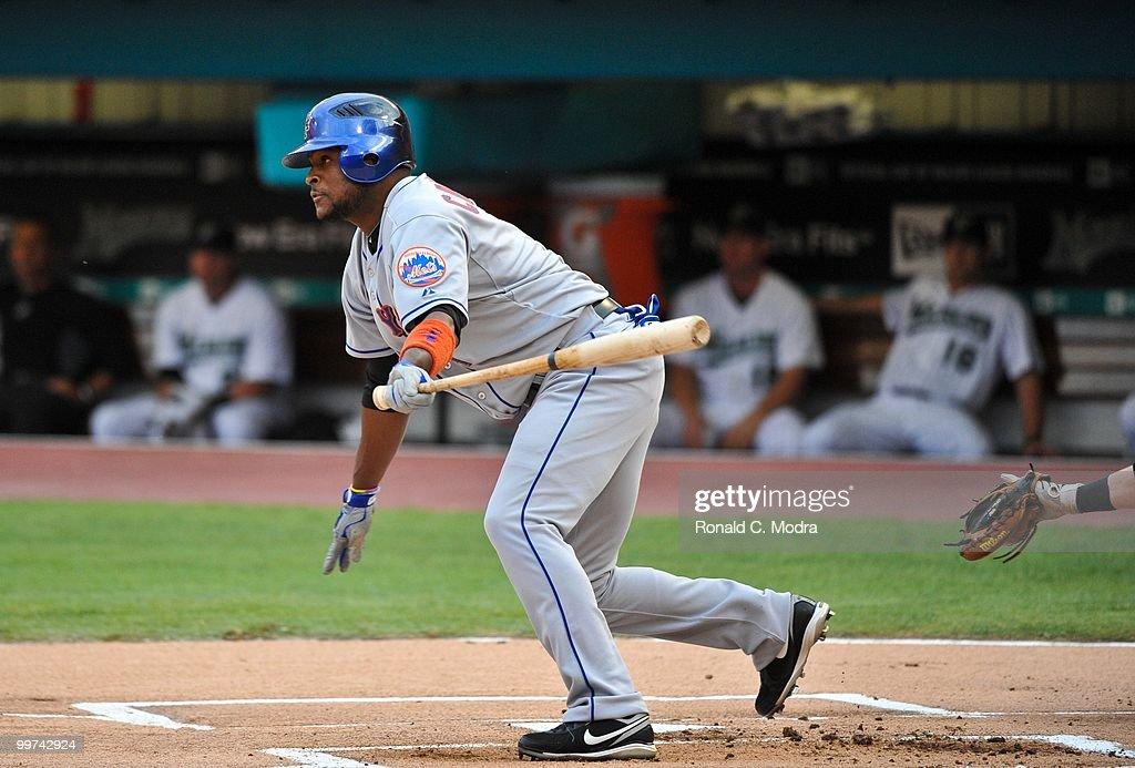 New York Mets v Florida Marlins : News Photo