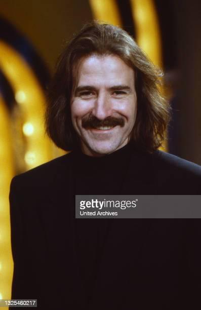 Luis Cobos, spanischer Komponist und Dirigent, Deutschland um 1992.