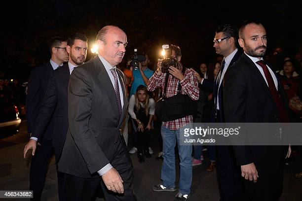 Luis de Guindos attends Parque San Isidro Cemetery following the death of Miguel Boyer on September 29 2014 in Madrid Spain Spanish politician Miguel...