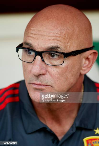 Luis De La Fuente head coach of Spain U21 looks on prior to the 2019 UEFA Under 21 qualifier match between Spain U21 and Albania U21 at Nuevo...