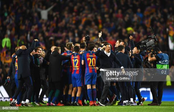 Luis Enrique manager of Barcelona celebrates victory with players after the UEFA Champions League Round of 16 second leg match between FC Barcelona...