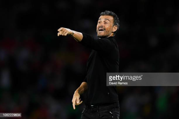Luis Enrique manager of Spain looks on during the UEFA Nations League A group Four match between Spain and England at Estadio Benito Villamarin on...