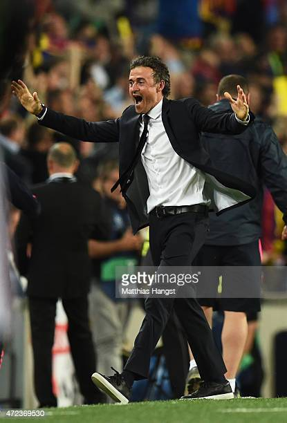 Luis Enrique the head coach of Barcelona celebrates following his team's 30 victory during the UEFA Champions League Semi Final first leg match...
