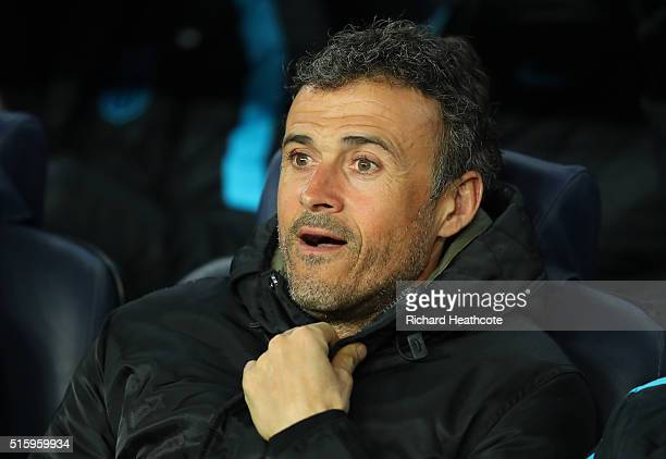Luis Enrique the head coach of Barcelona looks on prior to the UEFA Champions League round of 16 second Leg match between FC Barcelona and Arsenal FC...