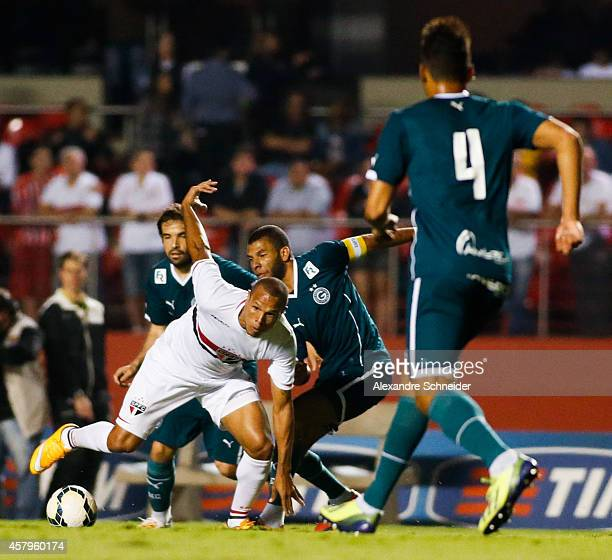 Luis Fabiano of Sao Paulo in action during the match between Sao Paulo and Goias for the Brazilian Series A 2014 at Morumbi stadium on October 27...
