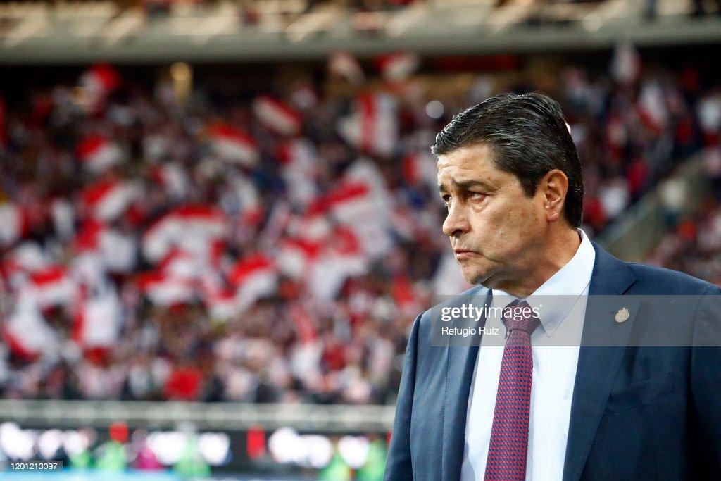 Chivas v Cruz Azul - Torneo Clausura 2020 Liga MX : Fotografía de noticias