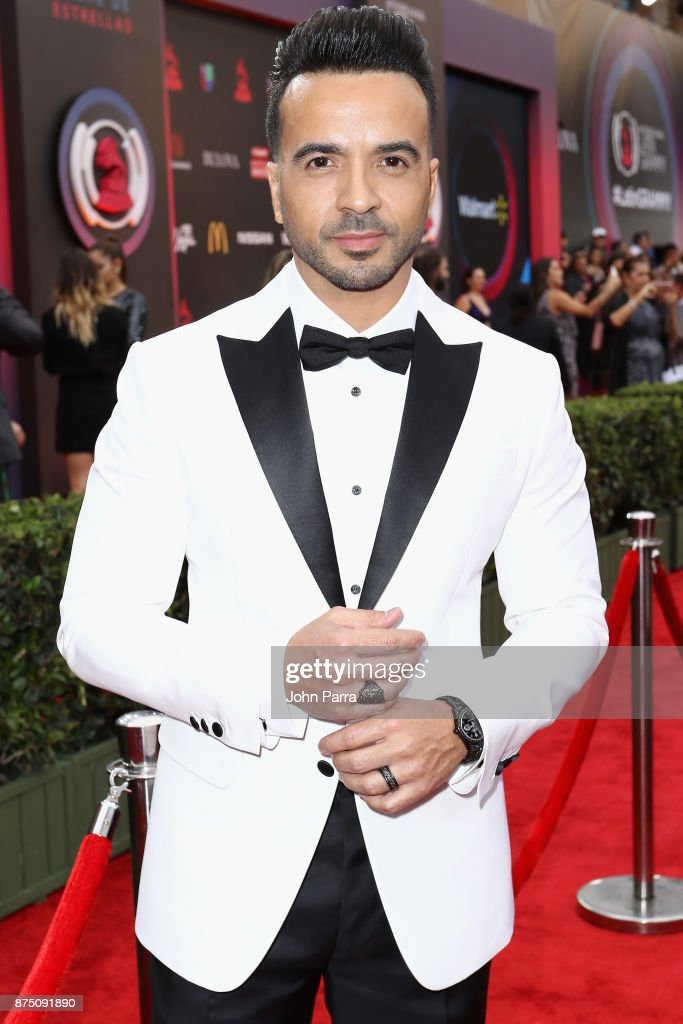Luis Fonsi attends The 18th Annual Latin Grammy Awards at MGM Grand Garden Arena on November 16, 2017 in Las Vegas, Nevada.