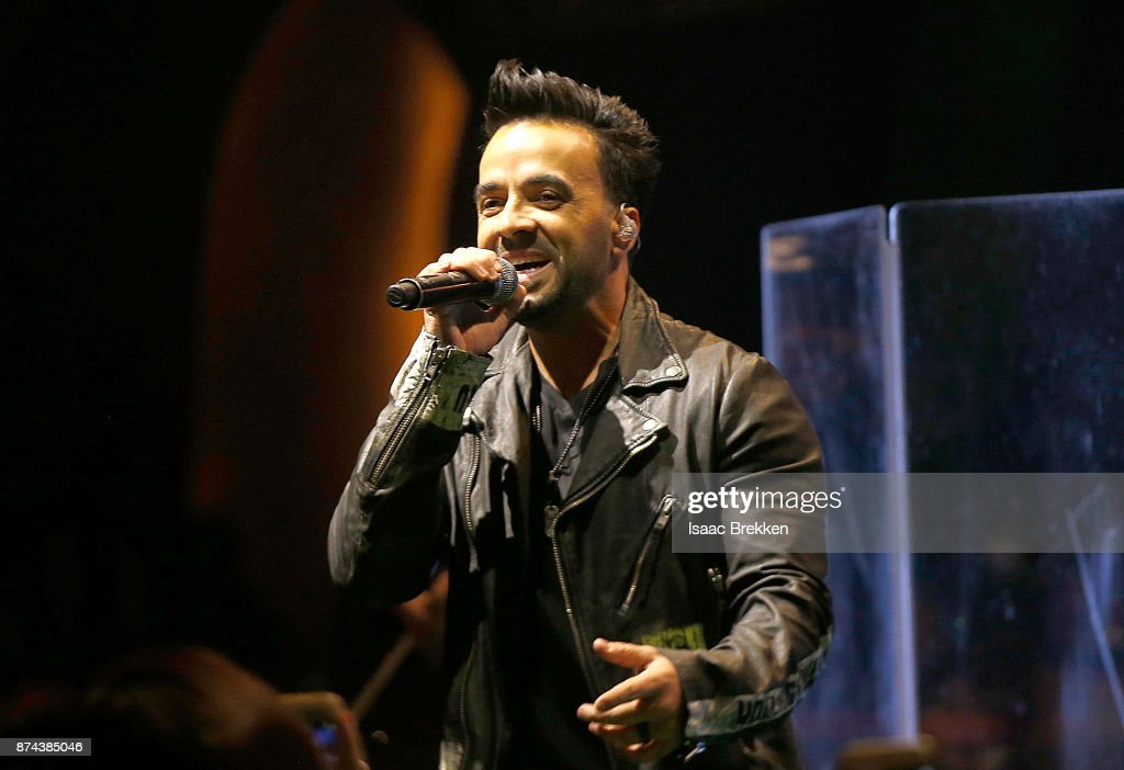 Luis Fonsi performs onstage at Spotify Celebrates Latin Music and Their Viva Latino Playlist at Marquee Nightclub on November 14, 2017 in Las Vegas, Nevada.
