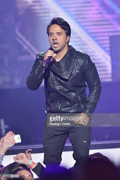 Luis Fonsi performs onstage at the 2015 Billboard Latin Music Awards presented bu State Farm on Telemundo at Bank United Center on April 30 2015 in...
