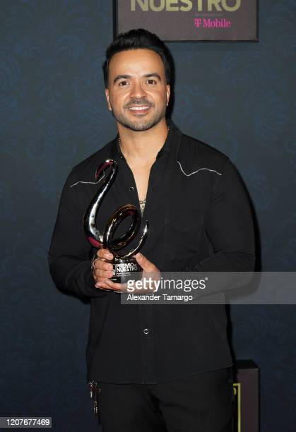 Luis Fonsi poses backstage during Univision's Premio Lo Nuestro 2020 at AmericanAirlines Arena on February 20 2020 in Miami Florida