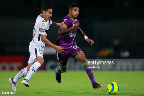 Luis Fuentes of Pumas and Wilder Cartagena Mendoza of Veracruz fight for the ball during the 7th round match between Pumas UNAM and Veracruz as part...