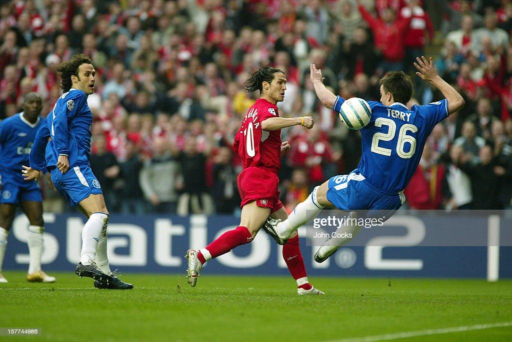 UEFA Champions League Semi Final 2nd Leg 2004/05 - Liverpool v Chelsea : News Photo