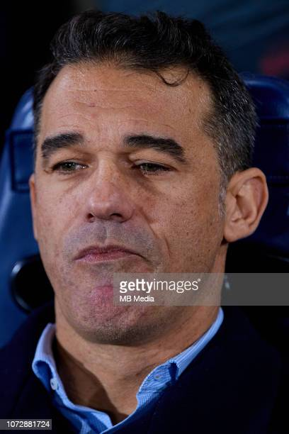 Luis Garcia Plaza head coach of Villarreal CF looks on prior to the UEFA Europa League Group G match between Villarreal CF and FC Spartak Moscow at...