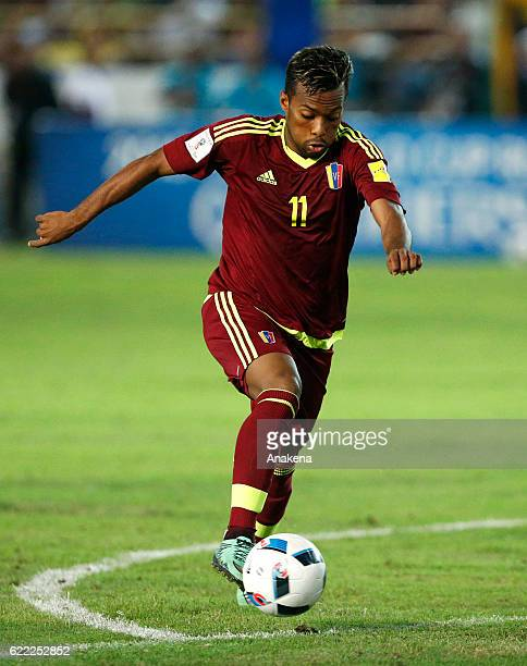 Luis Gonz‡alez of Venezuela drives the ball during a match between Venezuela and Bolivia as part of FIFA 2018 World Cup Qualifiers at Monumental de...