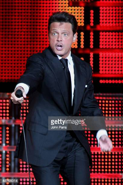 Luis Miguel performs at American Airlines Arena on November 7, 2008 in Miami.