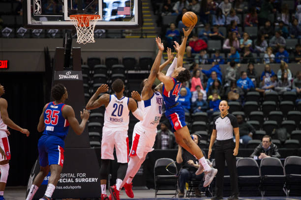 the long residuals of basketball A metatarsal stress fracture is a fine fracture in one of the long metatarsal bones in the foot a stress fracture can occur through overuse or poor foot biomechanics.
