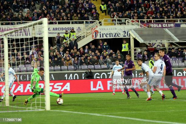 Luis Muriel of ACF Fiorentina scores a goal during the Serie A match between ACF Fiorentina and SS Lazio at Stadio Artemio Franchi on March 10 2019...
