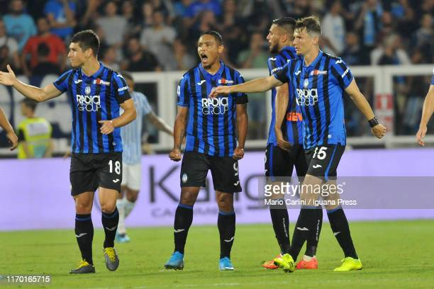 Luis Muriel of Atalanta BC celebrates after scoring his team's second goal during the Serie A match between SPAL and Atalanta BC at Stadio Paolo...
