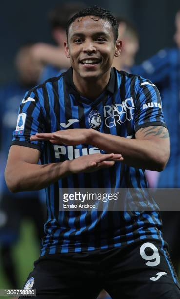 Luis Muriel of Atalanta BC celebrates his goal during the Serie A match between Atalanta BC and Spezia Calcio at Gewiss Stadium on March 12, 2021 in...