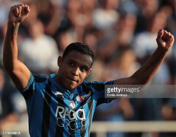 Luis Muriel of Atalanta BC celebrates his second goal during the Serie A match between Atalanta BC and Udinese Calcio at Gewiss Stadium on October 27...