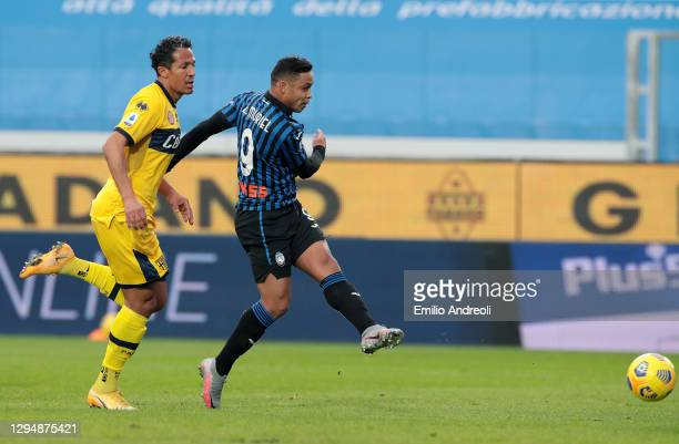 Luis Muriel of Atalanta B.C. Scores his sides first goal during the Serie A match between Atalanta BC and Parma Calcio at Gewiss Stadium on January...