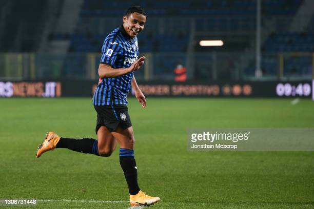Luis Muriel of Atalanta celebrates after scoring to give the side a 2-0 lead during the Serie A match between Atalanta BC and Spezia Calcio at Gewiss...